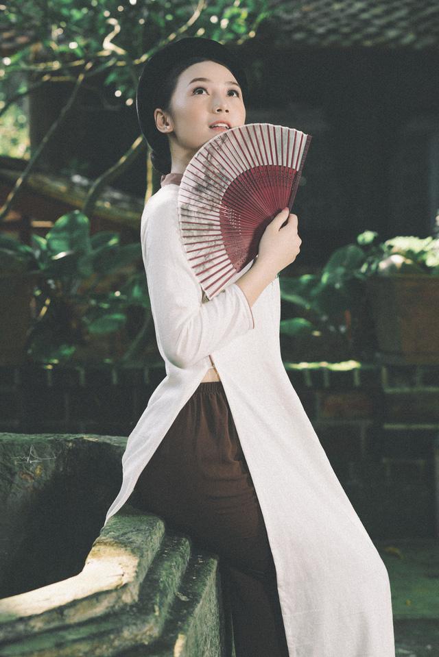 Hot girl Đi qua mùa hạ Quỳnh Kool mong manh, e ấp trong tà áo dài - Ảnh 6.