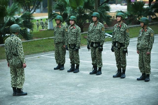 Sao nhập ngũ: Những hình ảnh siêu dễ thương của các lính mới - Ảnh 8.