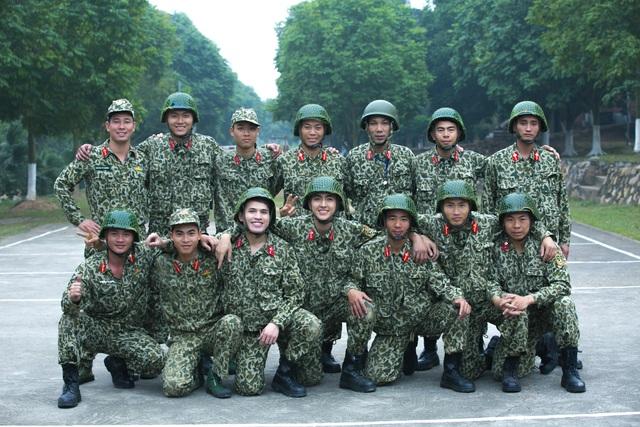 Sao nhập ngũ: Những hình ảnh siêu dễ thương của các lính mới - Ảnh 4.