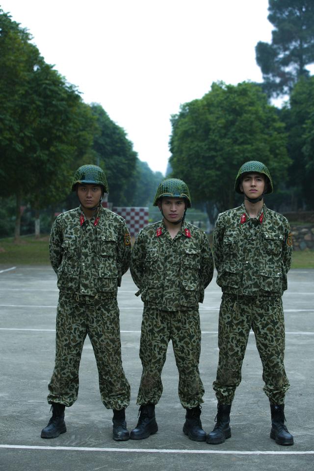 Sao nhập ngũ: Những hình ảnh siêu dễ thương của các lính mới - Ảnh 3.