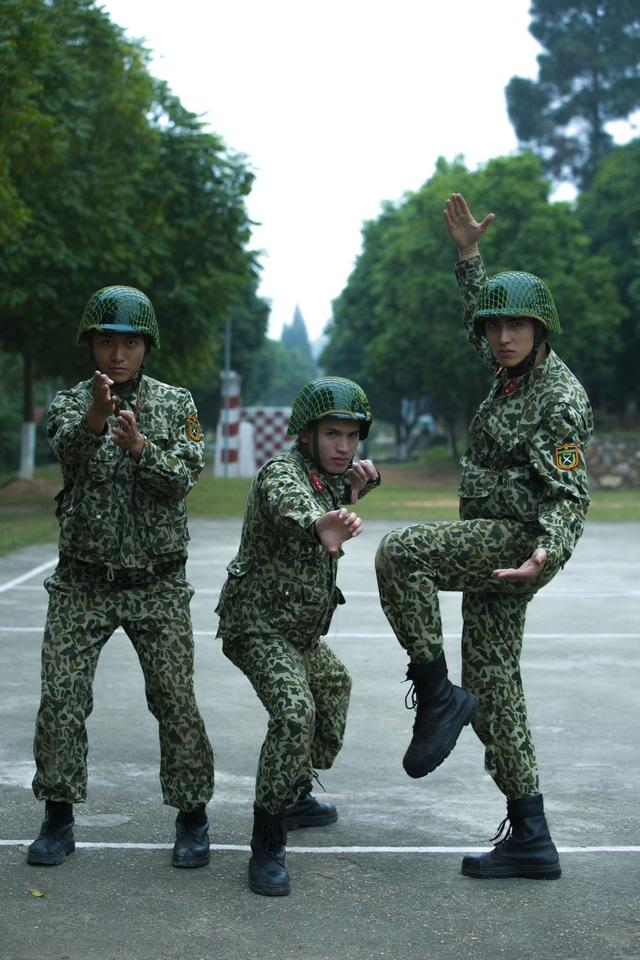 Sao nhập ngũ: Những hình ảnh siêu dễ thương của các lính mới - Ảnh 2.