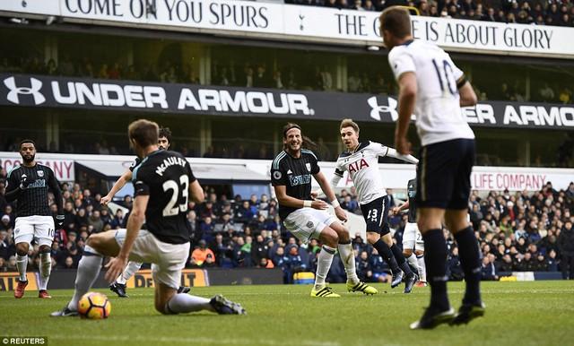 Tottenham 4-0 West Brom: Harry Kane lập hattrick, Tottenham tạm chiếm ngôi nhì bảng - Ảnh 1.