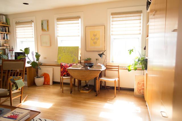 Mê mẩn căn hộ studio nhỏ xinh với nội thất toàn bằng gỗ - Ảnh 4.