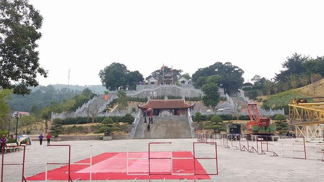 Di dời tượng Đức Ông nặng 40 tấn lên đồi cao 62m ở Quảng Ninh - Ảnh 3.