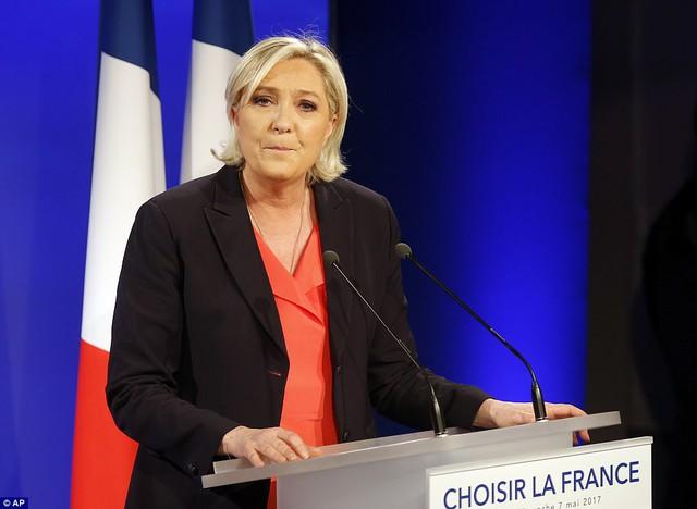 Nước Pháp vỡ òa chào đón Tổng thống trẻ nhất lịch sử - Ảnh 6.