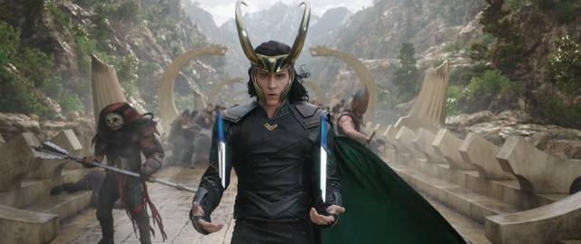 Búa thần Mjolnir sẽ nát vụn trong Thor: Ragnarok - Ảnh 3.