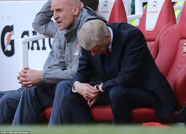 Arsenal 3-1 Everton: Chiến thắng đẹp nhưng đã là quá muộn - Ảnh 2.