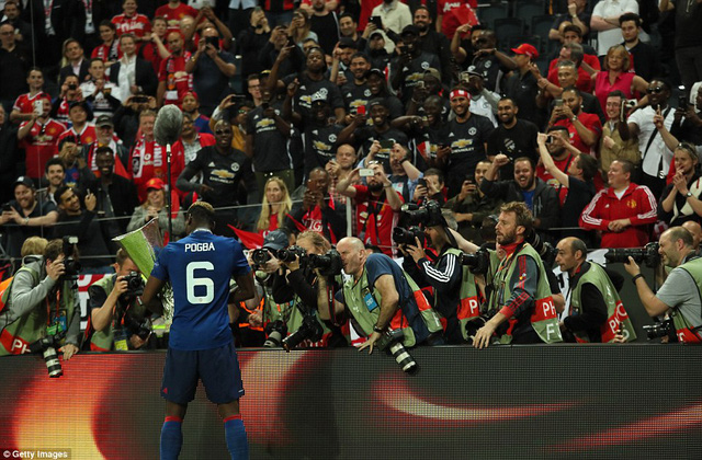 Ảnh: Man Utd đánh bại Ajax trong trận chung kết Europa League 2017 để đăng quang ngôi vô địch - Ảnh 11.