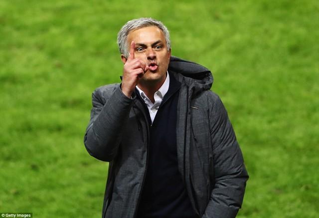 Ảnh: Man Utd đánh bại Ajax trong trận chung kết Europa League 2017 để đăng quang ngôi vô địch - Ảnh 8.