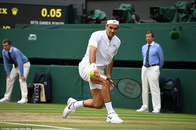 Ảnh: Những khoảnh khắc ấn tượng trong trận chung kết Wimbledon của Roger Federer - Ảnh 6.