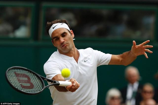 Ảnh: Những khoảnh khắc ấn tượng trong trận chung kết Wimbledon của Roger Federer - Ảnh 1.