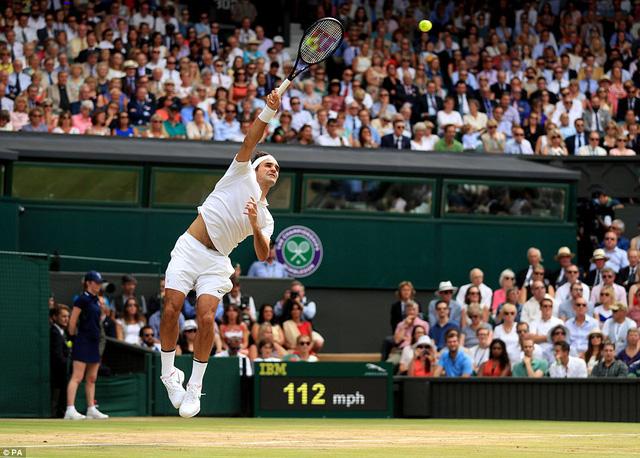 Ảnh: Những khoảnh khắc ấn tượng trong trận chung kết Wimbledon của Roger Federer - Ảnh 5.