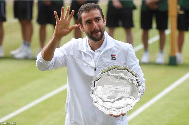 Ảnh: Những khoảnh khắc ấn tượng trong trận chung kết Wimbledon của Roger Federer - Ảnh 18.