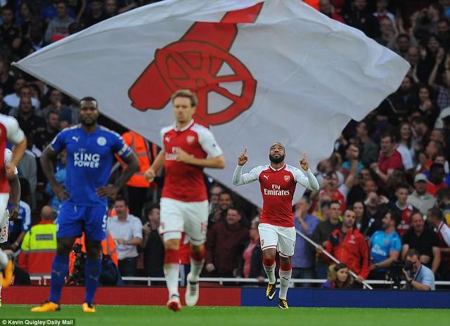 Khai màn Ngoại hạng Anh: Arsenal thắng nghẹt thở trước Leicester City - Ảnh 1.