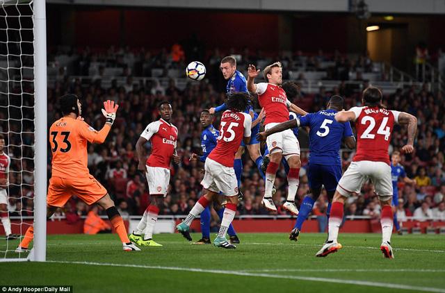 Khai màn Ngoại hạng Anh: Arsenal thắng nghẹt thở trước Leicester City - Ảnh 3.
