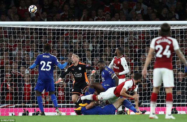 Khai màn Ngoại hạng Anh: Arsenal thắng nghẹt thở trước Leicester City - Ảnh 6.