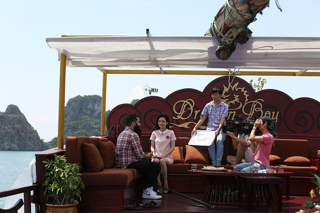 MC Thùy Dương cùng đạo diễn Kong: Đảo đầu lâu tới nơi đẹp nhất Việt Nam - Ảnh 2.