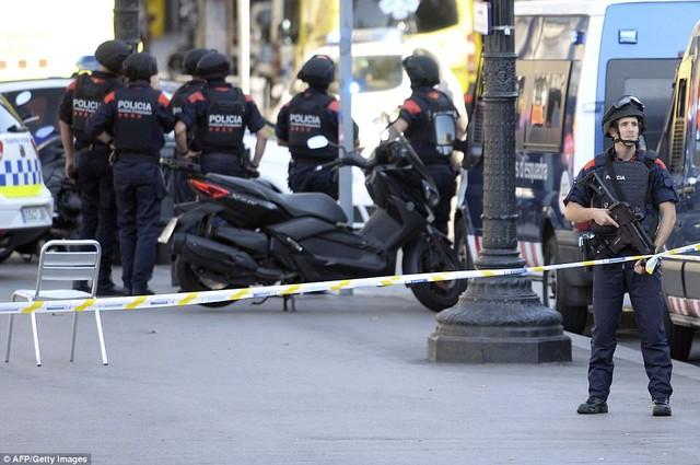 CIA đã cảnh báo vụ khủng bố tại Barcelona cách đây 2 tháng - Ảnh 1.