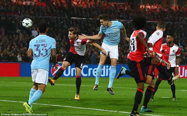Feyenoord 0 - 4 Manchester City: Đại thắng 4 sao, HLV Guardiola tâng học trò lên mây xanh - Ảnh 1.