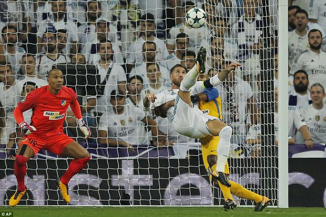 Real Madrid 3-0 APOEL: Kền kền giải khát chiến thắng, CR7 hụt hat-trick đáng tiếc - Ảnh 2.