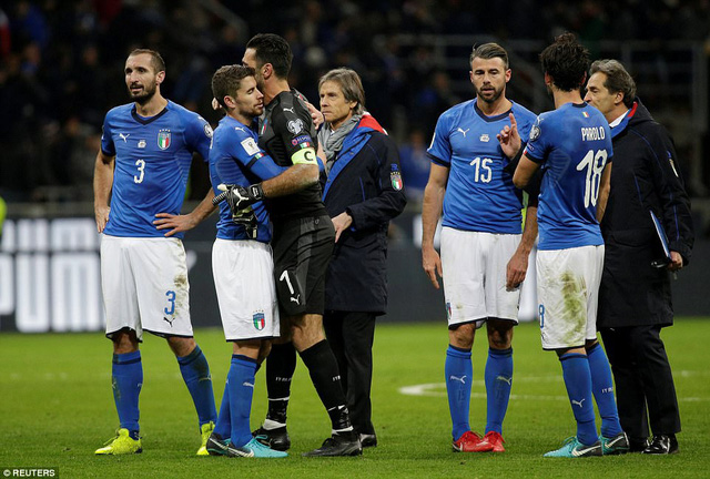 Italia ngồi nhà xem World Cup 2018: Khi đàn ông cũng phải khóc! - Ảnh 6.