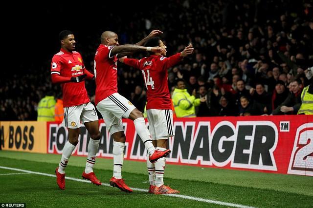 Kết quả, BXH Ngoại hạng Anh sau vòng 14: Top 4 trọn niềm vui, Tottenham rơi tự do - Ảnh 2.