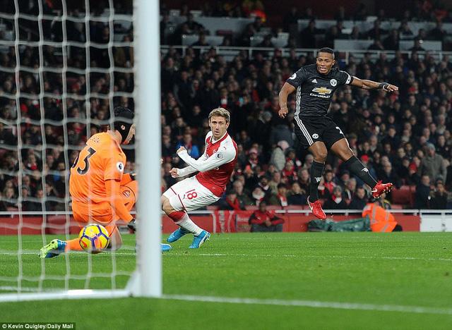 Kết quả bóng đá châu Âu rạng sáng 03/12: Man Utd thắng trận đại chiến, PSG thua trận đầu tiên - Ảnh 2.