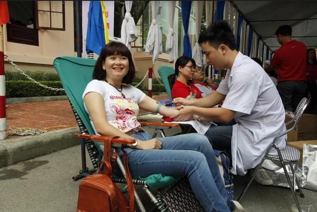 """Ngày hội """"Hiến máu Hạ Hồng"""" tại Bệnh viện Việt Đức - Ảnh 4."""