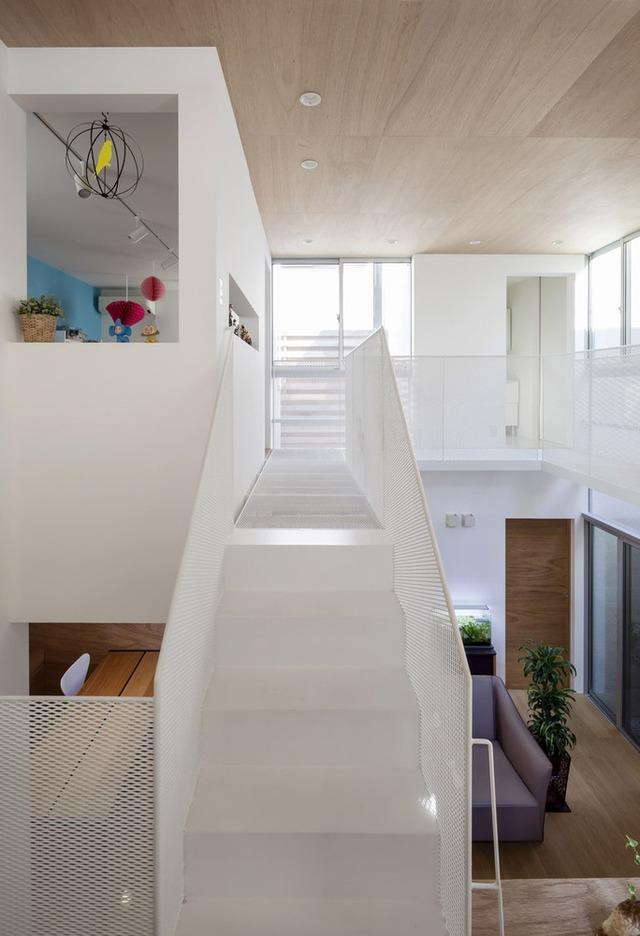 Ngôi nhà bên ngoài tưởng đơn sơ nhưng bên trong có không gian đẹp như mơ - Ảnh 5.