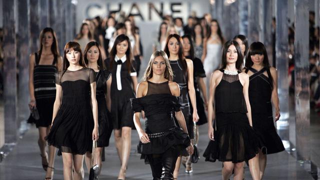 Ấn tượng những cái tên lão làng của ngành thời trang thế giới - Ảnh 1.