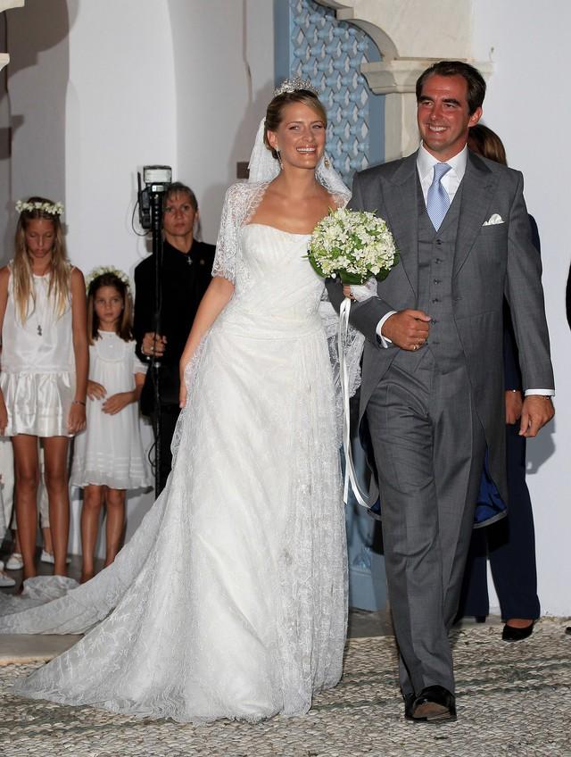 Chiêm ngưỡng váy cưới của những người đẹp hoàng gia - Ảnh 8.