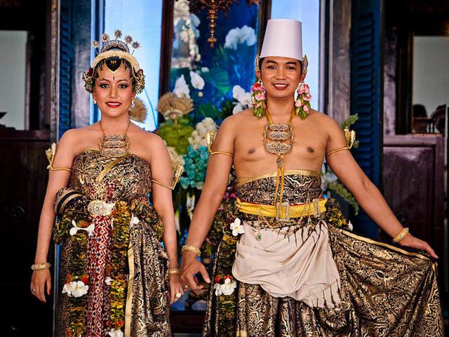 Chiêm ngưỡng váy cưới của những người đẹp hoàng gia - Ảnh 13.