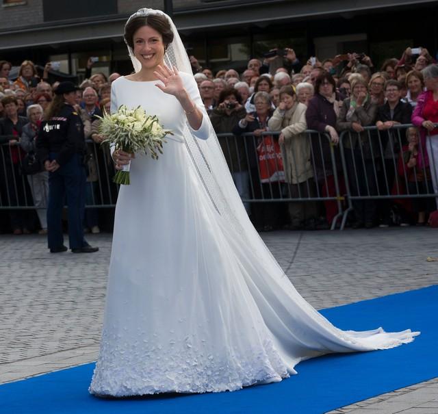 Chiêm ngưỡng váy cưới của những người đẹp hoàng gia - Ảnh 10.