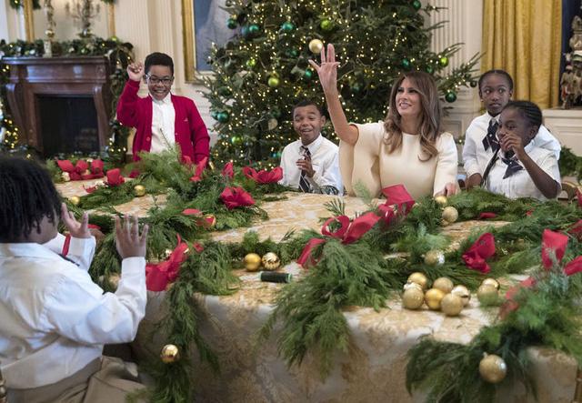 Nhà Trắng trang hoàng lộng lẫy đón Giáng sinh và năm mới - Ảnh 5.