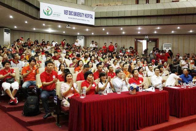 """Ngày hội """"Hiến máu Hạ Hồng"""" tại Bệnh viện Việt Đức - Ảnh 5."""