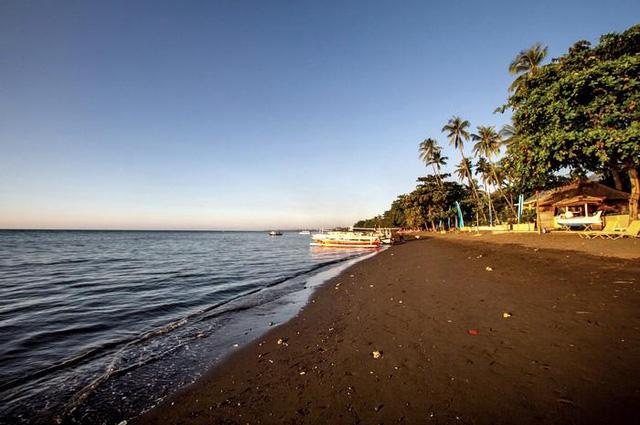 Tròn mắt trước những bãi biển có màu cát lạ ảo diệu - Ảnh 5.