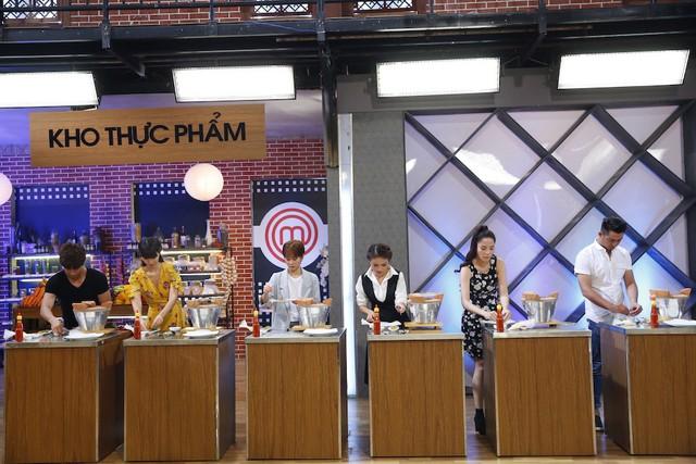 Vua đầu bếp: Kiwi Ngô Mai Trang đánh bại Hà Anh bằng thực đơn trái ngược - Ảnh 1.