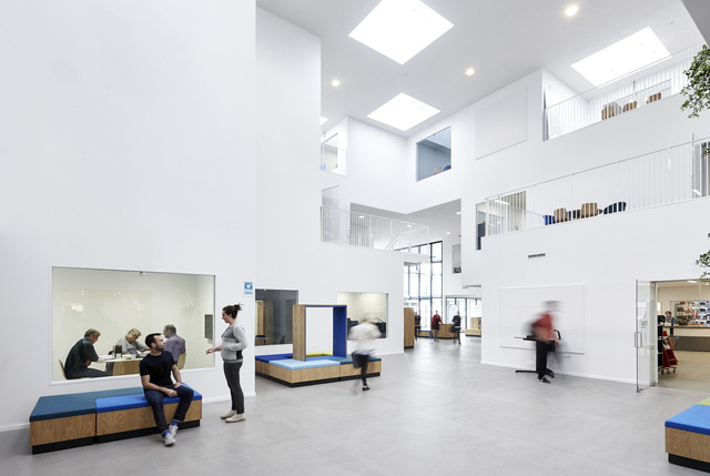 Không gian ấn tượng của trường đại học ở Đan Mạch - Ảnh 7.
