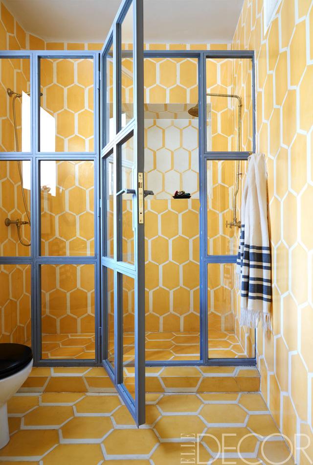 Thích thú với những mẫu phòng tắm ngập sắc màu - Ảnh 6.