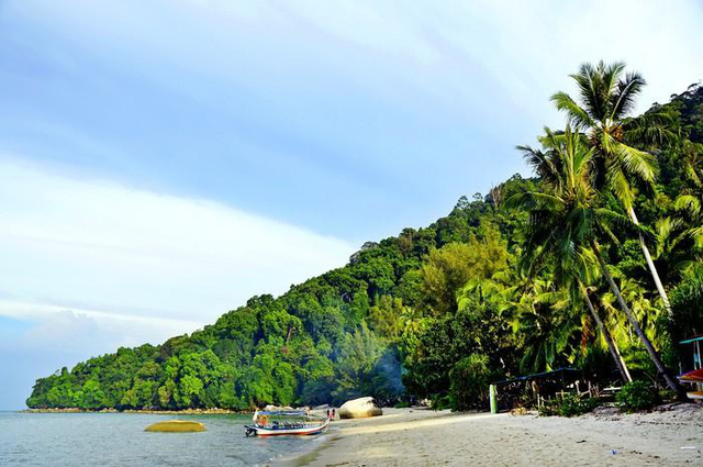 Những bãi biển đẹp mê hoặc ẩn mình ở nơi ít người biết - Ảnh 5.