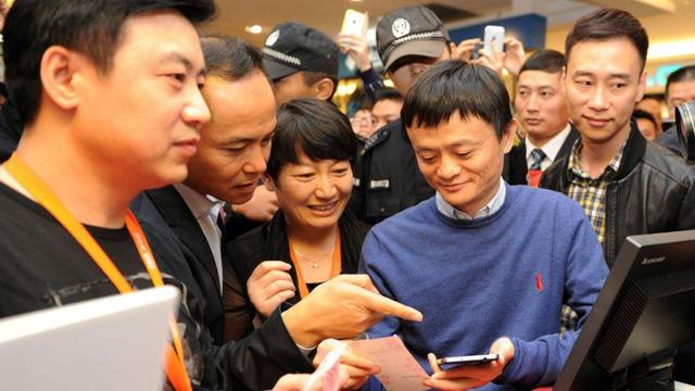 Sau bán hàng trực tuyến, Alibaba đánh cược vào cửa hàng truyền thống - Ảnh 2.