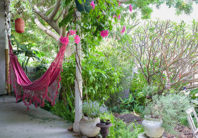 Căn nhà có khoảng sân xinh xắn và không gian màu pastel nhẹ nhàng - Ảnh 4.