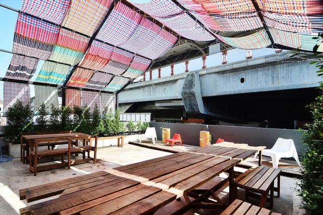 Ghé thăm hostel có tường cửa siêu độc ở Thái Lan - Ảnh 7.
