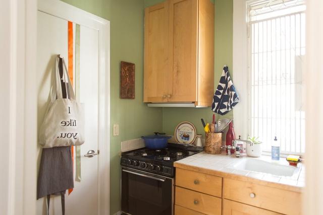 Mê mẩn căn hộ studio nhỏ xinh với nội thất toàn bằng gỗ - Ảnh 8.