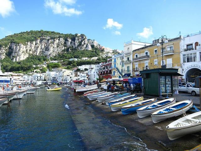 Khám phá 10 thành phố du lịch giá cả phải chăng nhất châu Âu - Ảnh 10.