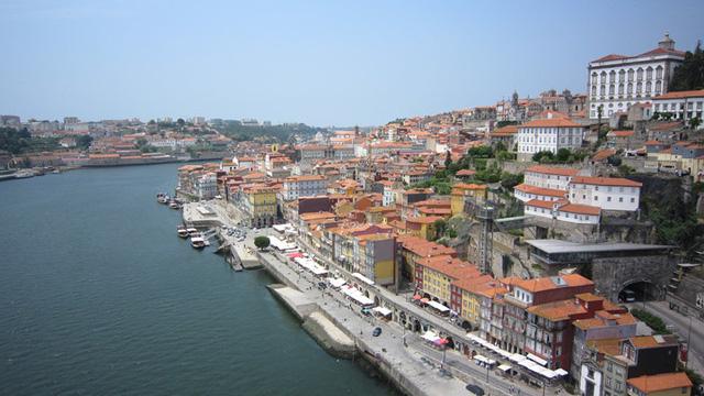 Khám phá 10 thành phố du lịch giá cả phải chăng nhất châu Âu - Ảnh 1.