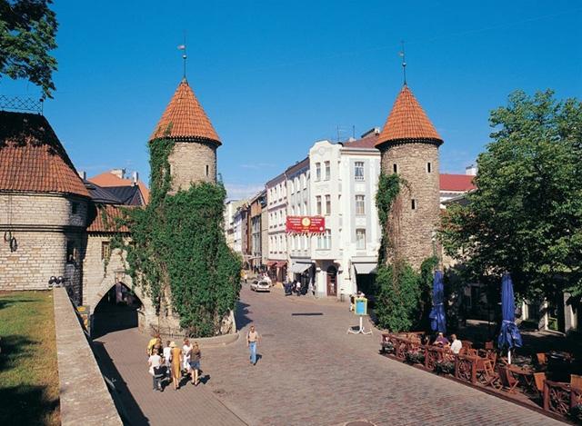 Khám phá 10 thành phố du lịch giá cả phải chăng nhất châu Âu - Ảnh 6.