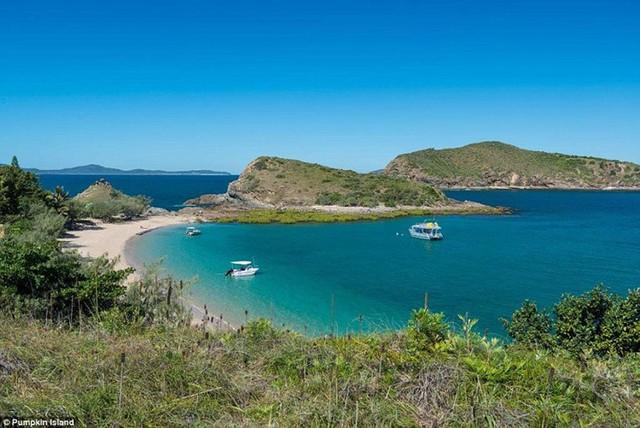 Khám phá những bãi biển nghỉ dưỡng đẹp nhất thế giới - Ảnh 2.