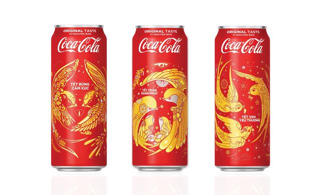 Coca-Cola tung 3 mẫu bao bì độc đáo đón Tết 2018 - Ảnh 1.