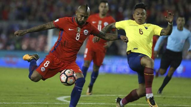 Ronaldo, Messi lọt đội hình 11 siêu sao nguy cơ phải xem World Cup 2018 qua TV - Ảnh 2.